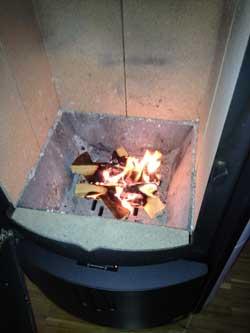 kamin richtig anfeuern so gehts ohne ru eine. Black Bedroom Furniture Sets. Home Design Ideas