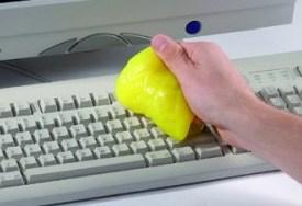 Tastatur reinigen mit CyberClean