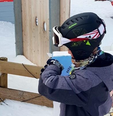 Kinderuhr Skiurlaub